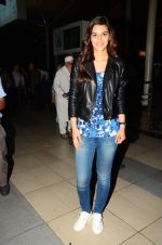 Kriti Sanon snapped at airport on 28th Oct 2015