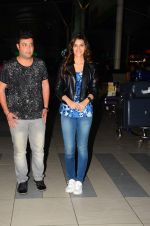 Kriti Sanon, Varun Sharma snapped at airport on 28th Oct 2015