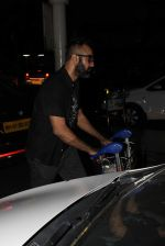 Ranvir Shorey snapped at airport on 28th Oct 2015