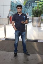 Saurav Ganguly snapped at airport on 28th Oct 2015 (4)_5631d5b665c18.JPG