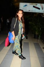 Shweta Pandit snapped at airport on 28th Oct 2015 (15)_5631d667ad05e.JPG
