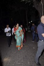Kiran Kher at Karva chauth celebrations at Anil Kapoors residence on 30th Oct 2015 (87)_5634f334a5704.JPG