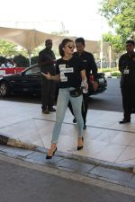Jacqueline Fernandez snapped at the airport on 31st Oct 2015