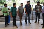 Venkatesh snapped at the airport on 31st Oct 2015 (40)_563601f415931.JPG