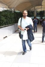 Kabir Bedi snapped at airport on 1st Nov 2015