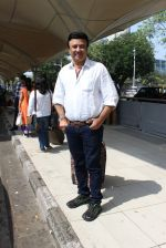 Anu Malik snapped at airport on 2nd Nov 2015