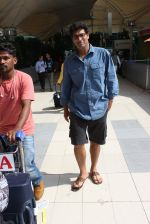 Kunal Roy Kapoor snapped at airport on 2nd Nov 2015 (12)_56385a981f447.JPG