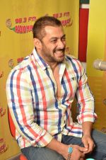 Salman Khan promote Prem Ratan Dhan Payo at radio mirchi on 2nd Nov 2015