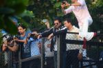Shahrukh Khan meets fans on the eve of his 50th bday on 2nd Nov 2015