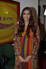 sonam Kapoor promote Prem Ratan Dhan Payo at radio mirchi on 2nd Nov 2015