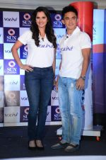 Saina Mirza and Sunil Chetri at Volini press meet on 3rd Nov 2015 (90)_5639c416307f2.JPG