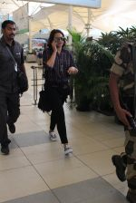 Sonakshi Sinha snapped at Airport on 3rd Nov 2015
