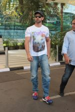 Hrithik Roshan snapped at airport on 4th Nov 2015