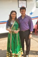 Madhuri Dixit shoots for her dance app on 4th Nov 2015 (5)_563b044d9a794.JPG