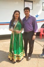 Madhuri Dixit shoots for her dance app on 4th Nov 2015 (8)_563b044f8c53a.JPG