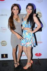 Sara Khan at Tele calendar launch on 4th Nov 2015 (81)_563b06b19d67c.JPG