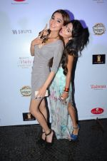 Sara Khan, Tina Dutta at Tele calendar launch on 4th Nov 2015 (67)_563b06e14cffd.JPG
