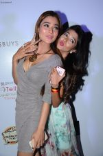 Sara Khan, Tina Dutta at Tele calendar launch on 4th Nov 2015 (69)_563b071a109b6.JPG