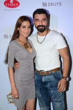 Sara Khan, Ajaz Khan at Tele calendar launch on 4th Nov 2015 (79)_563b0582b366e.JPG