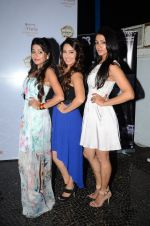 Tina Dutta, Barkha Bisht at Tele calendar launch on 4th Nov 2015 (139)_563b06e5de980.JPG