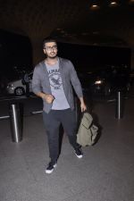 Arjun Kapoor with contestants of Khatron left for Arjentina on 5th Nov 2015