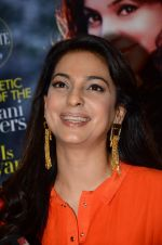 Juhi Chawla at society mag cover launch on 5th Nov 2015 (25)_563c98afc1e21.JPG