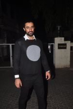 Kunal Kapoor snapped at Prithvi on 5th Nov 2015
