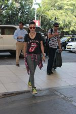 Shruti Haasan snapped at airport on 6th Nov 2015 (10)_563de7f82a9f1.JPG