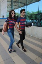 Karishma Tanna, Upen Patel snapped at airport on 7th Nov 2015 (19)_563f6e2774e87.JPG