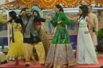 Salman Khan, Sonam Kapoor promote Prem Ratan Dhan Payo on the sets of Bigg Boss House with Diwali celebrations on 7th Nov 2015