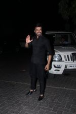 Aashish Chaudhary at manish malhotra_s diwali bash on 10th Nov 2015 (30)_56437e83ba1a7.JPG