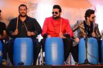 Neil Mukesh, Armaan Kohli, Salman Khan at prem ratan dhan payo dharavi Band on 11th Nov 2015 (214)_5644ad7fc7df4.JPG