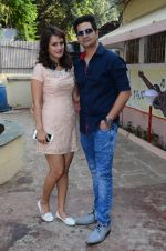 Nisha Rawal, Karan Mehra celebrate diwali with kids on 13th Nov 2015 (44)_564811702ed90.JPG
