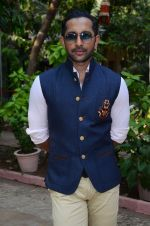 Terence Lewis celebrate diwali with kids on 13th Nov 2015 (24)_564810e6d8352.JPG