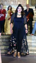 Shama Ali doughter of Muzaffar Ali at Cancer Society of Hope fashion show in Delhi on 15th Nov 2015