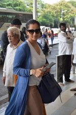 Sania Mirza snapped at airport on 16th Nov 2015 (57)_564adb9422320.JPG
