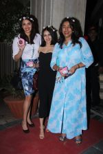 Anu Ranjan, Anushka Ranjan at Masaba_s wedding bash on 18th Nov 2015 (64)_564d8674bba0e.JPG
