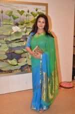 Poonam Dhillon at art exhibition launch with Bindu Kapoor of Yes Bank on 18th Nov 2015 (30)_564d81484637d.JPG