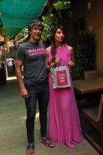 Bipasha Basu and Milind Soman at Pinkathon on 19th Nov 2015 (29)_564ed524d86ce.JPG