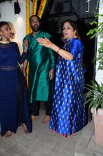 Neena Gupta at Masaba_s mehendi on 21st Nov 2015 (54)_5651485496a16.JPG