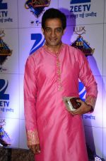 at Zee Rishtey Awards in Mumbai on 21st Nov 2015 (243)_56515e6bc57e0.JPG