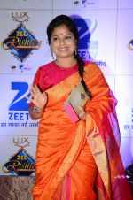 at Zee Rishtey Awards in Mumbai on 21st Nov 2015 (449)_56515ee2ca0d0.JPG