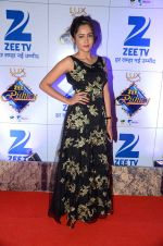 at Zee Rishtey Awards in Mumbai on 21st Nov 2015 (557)_56515f03bb040.JPG
