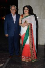 Ramesh Sippy, Kiran Juneja at Masaba_s wedding reception on 22nd Nov 2015 (114)_5652e1ede4046.JPG