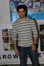 Sooraj Pancholi at pet adoption in Juhu on 21st Nov 2015
