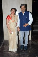 Vishal Bharadwaj, Rekha Bharadwaj at Masaba_s wedding reception on 22nd Nov 2015 (74)_5652e34f93fee.JPG