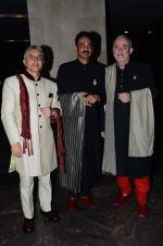 Wendell Rodericks at Masaba_s wedding reception on 22nd Nov 2015 (27)_5652e368ae2db.JPG