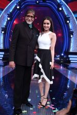Amitabh Bachchan and Shraddha Kapoor in Aaj Ki Raat Hai Zindagi on 24th Nov 2015