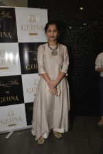 Gauri Shinde at Shaheen Abbas collection launch in Gehna Store on 24th Nov 2015 (236)_56555f151f32d.JPG