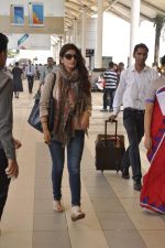 Twinkle Khanna snapped at airport  on 24th Nov 2015 (7)_565562cba4481.JPG